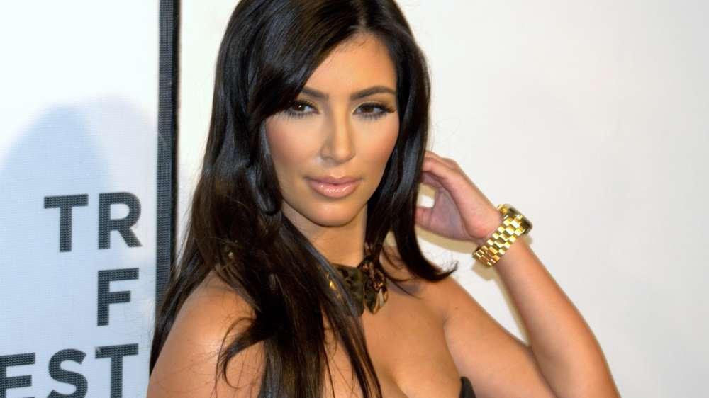 Kim Kardashian's Psoriasis Is Stress Related